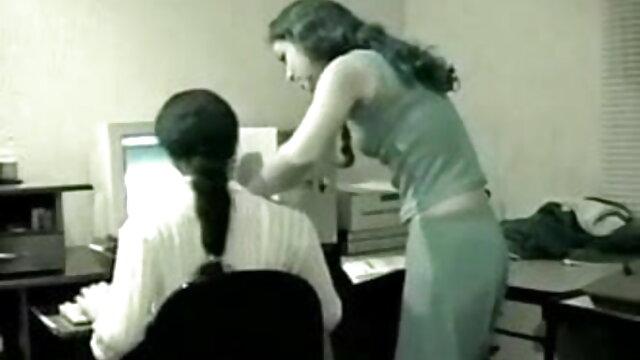 प्यारा किशोरों की लड़की हिंदी बीएफ सेक्सी मूवी फुल एचडी नग्न खेल अभ्यास कर रही है
