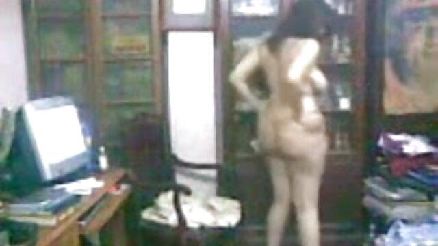 स्टड हुक के साथ समलैंगिक हिंदी सेक्सी फिल्म फुल एचडी और बैंग्स अपने गधे कंडोम शैली