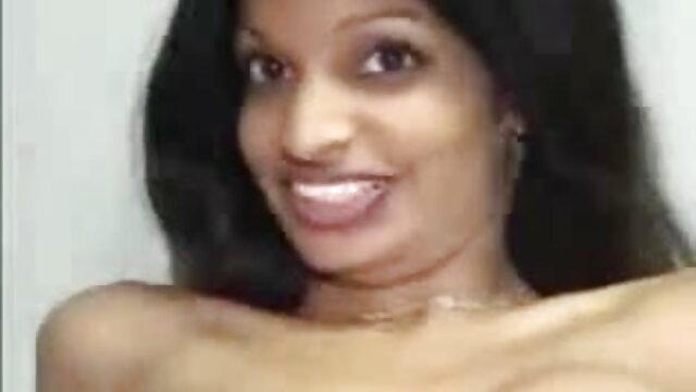 नर्स विक्टोरिया बुखार के रोगियों हिंदी सेक्सी मूवी फुल एचडी में कोविद -19 के लिए जीजीजी की जांच करती है