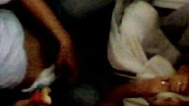 निगल लिया हो रही है बीएफ सेक्सी मूवी फुल एचडी में उनके मुंह भरवां
