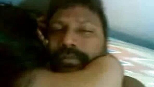 4. सेक्सी फिल्म हिंदी फुल एचडी संपूर्ण शरीर के साथ सुंदर गोरा पुराने दोस्त के लिए प्यार करता है