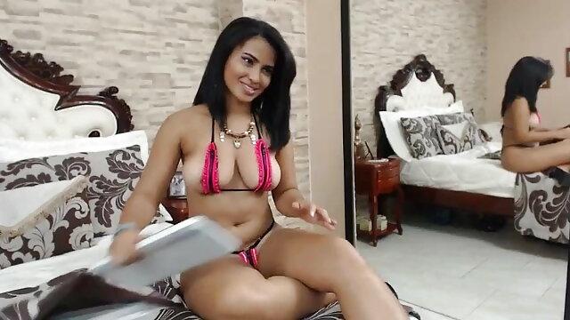 गोल-मटोल लड़की सेक्स के खिलौने के साथ सेक्सी मूवी फिल्म फुल एचडी में उसे बिल्ली पसंद करती है