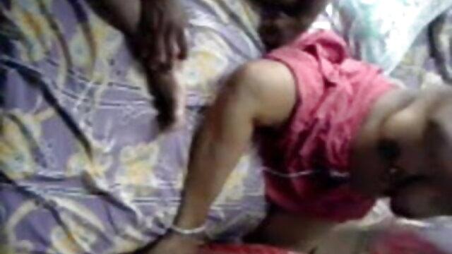 अपनी सौतेली हिंदी सेक्सी वीडियो फुल मूवी एचडी बहिन अपने मुर्गा पर एक क्रश है
