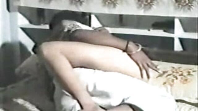 बेब उसे गीला कदम पर चीनी काँटा का उपयोग करता सेक्सी वीडियो फुल मूवी एचडी हिंदी में है