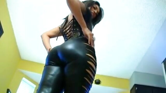रूसी वेब कैमरा लड़की उसके दोनों छेद सेक्सी वीडियो फुल मूवी एचडी में