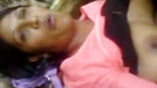 हंट4. बीएफ देखता है क्योंकि लड़की सनी लियोन का बीएफ फुल एचडी मूवी पैसे के लिए बूढ़े आदमी को संतुष्ट करती है