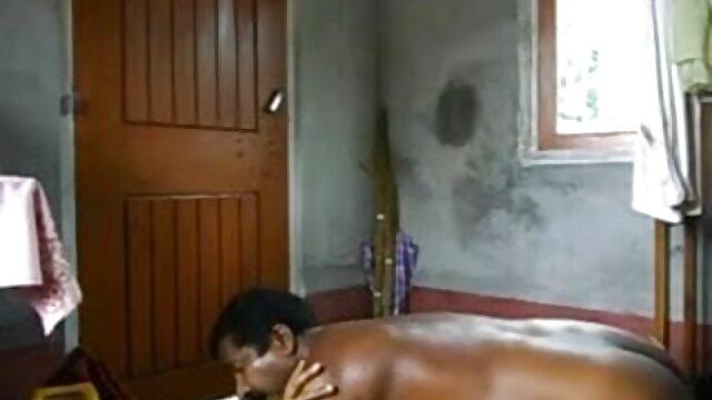 सुंदर हिंदी सेक्सी वीडियो फुल मूवी एचडी पेशाब की दीवानी