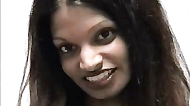 तेजस्वी अनीता बर्लुस्कोनी हिंदी मूवी सेक्सी फुल एचडी विशाल गिलास से बाहर उसे अपने पेशाब पीता है